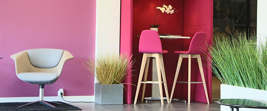 Cabine d'isolation à placer dans un espace ouvert au bureau et faciliter l'aménagement.